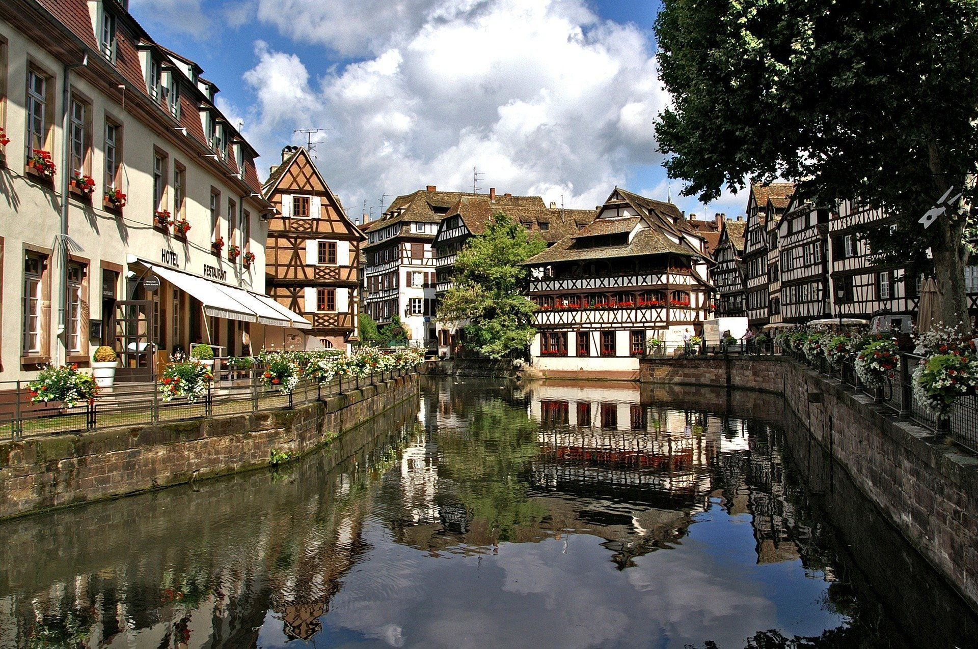 strasbourg 1354438 1920 - Strasbourg: from the past to the future