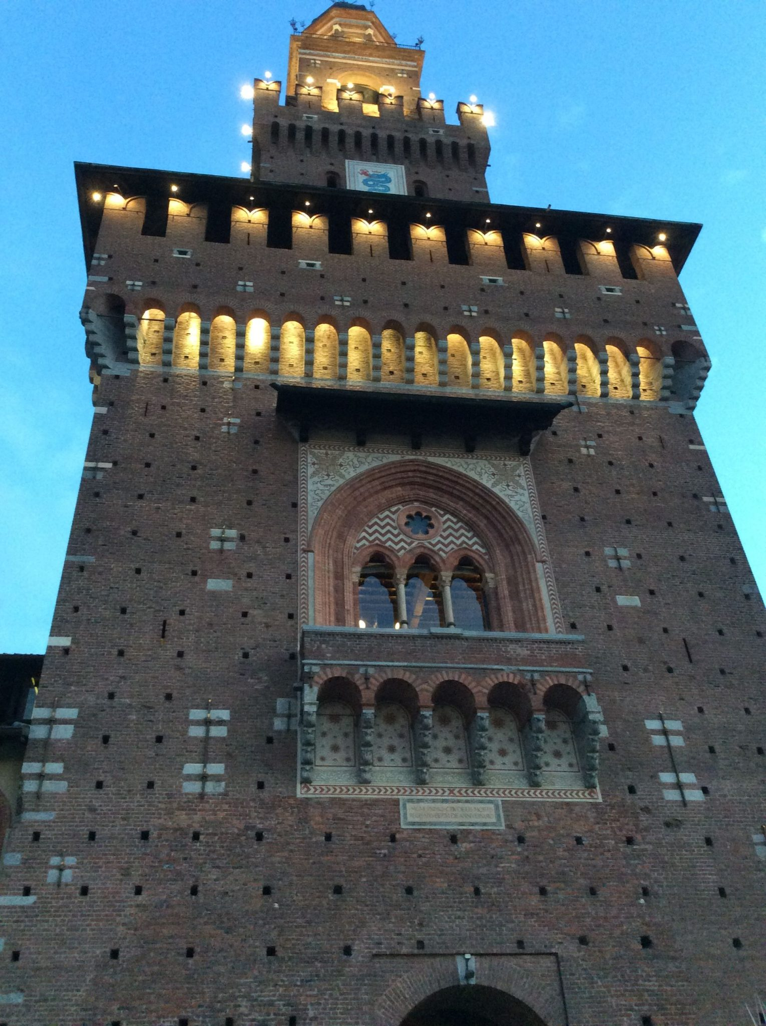 Castle in Milan cover - The castle in Milan: 1 amazing way to improve your tour in the city