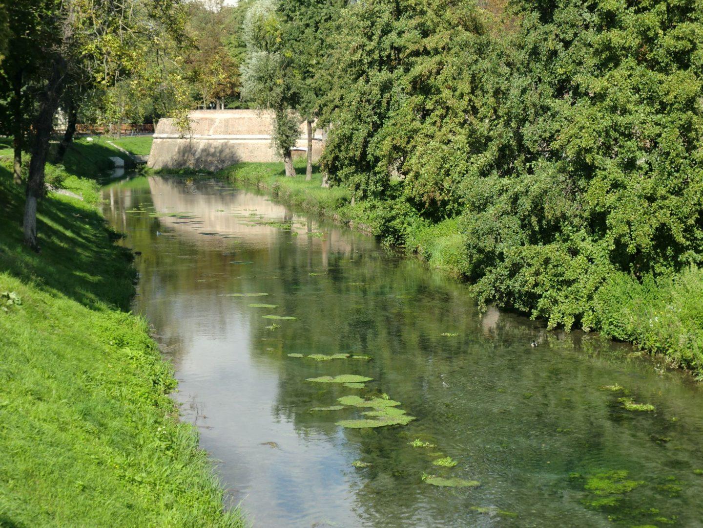 Treviso riflessi 1440x1080 - Treviso: Italian beauty