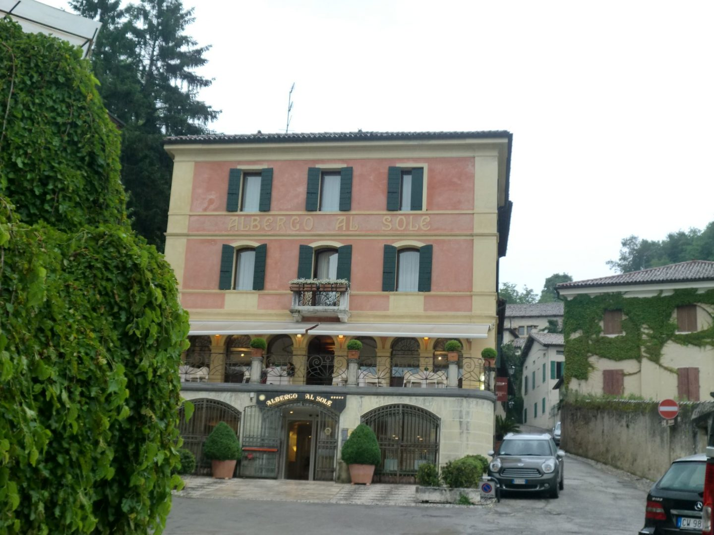 book an hotel 6 1440x1080 - Book a hotel in Asolo