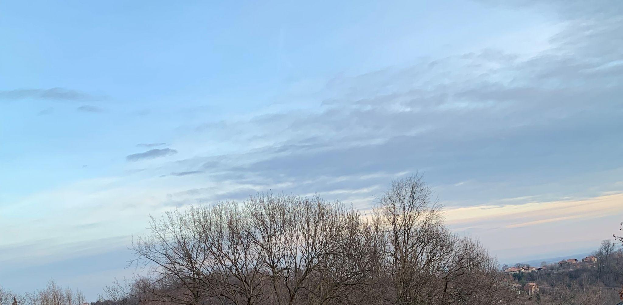 iPhone XR camera sky