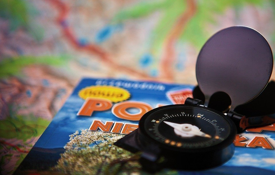 Travel guide as a gift for travelers