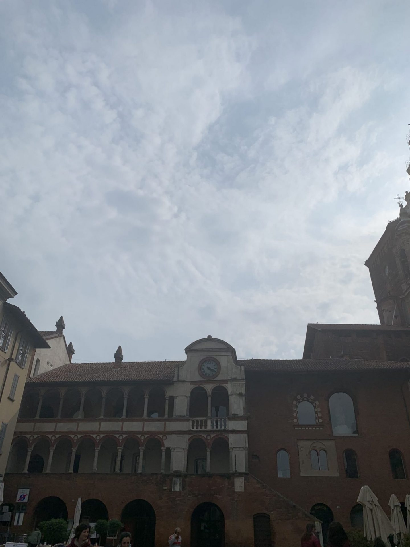 a day in Pavia piazza 1440x1920 - A day in Pavia