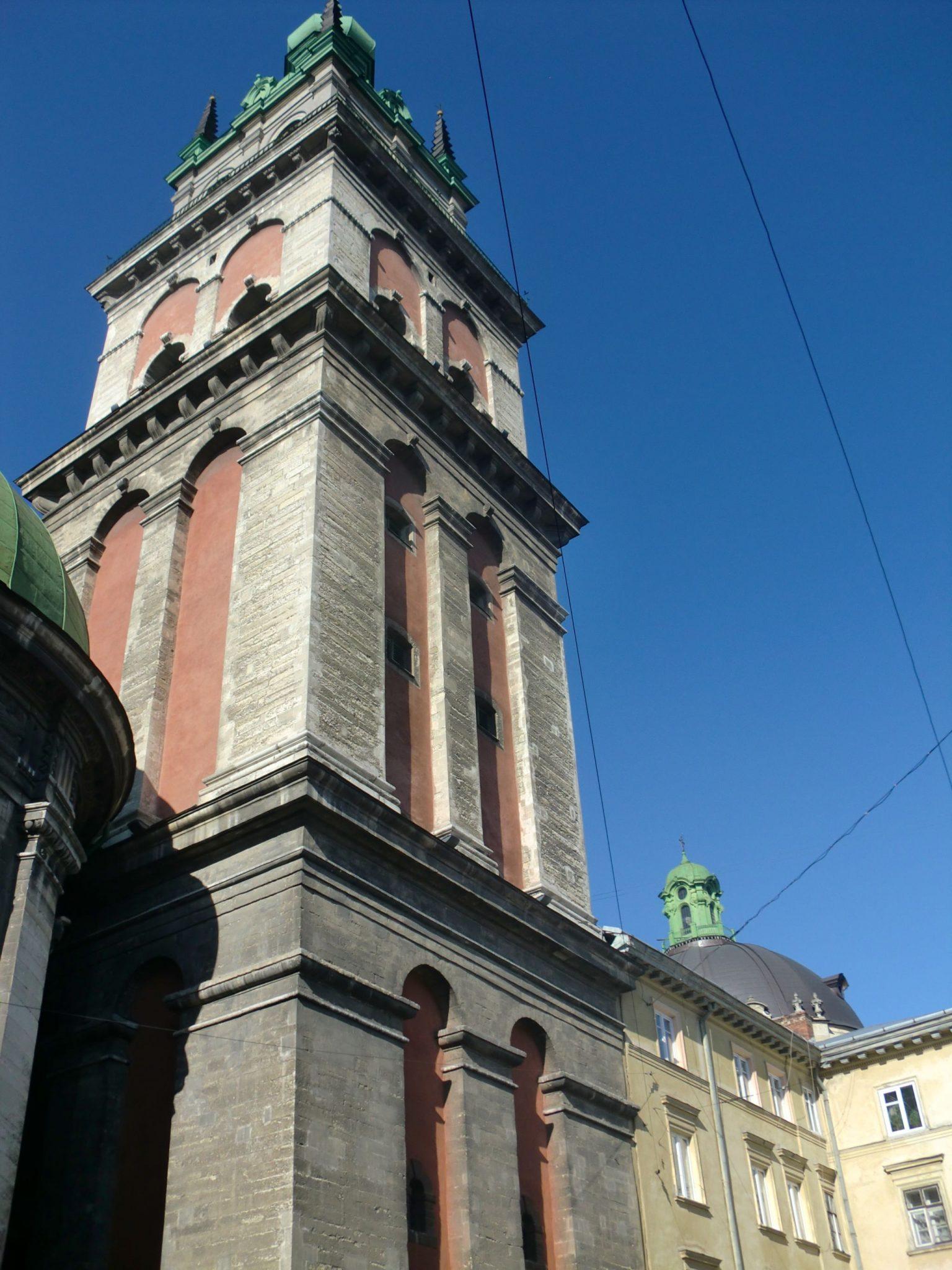 Lviv dominican church 1 - Lviv, the Ukrainian pearl