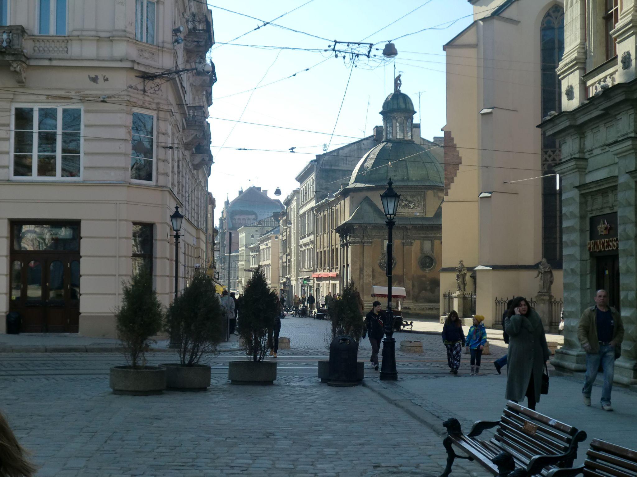Lviv market square 2 - Lviv, the Ukrainian pearl