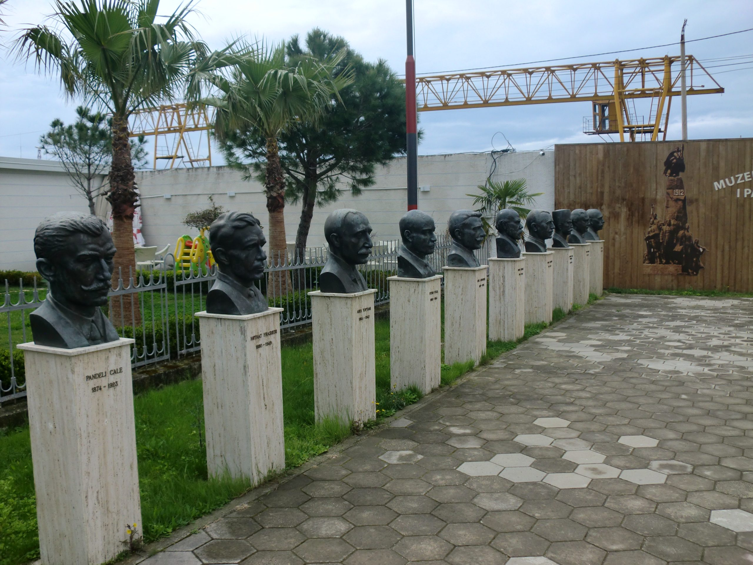 vlora independence fence