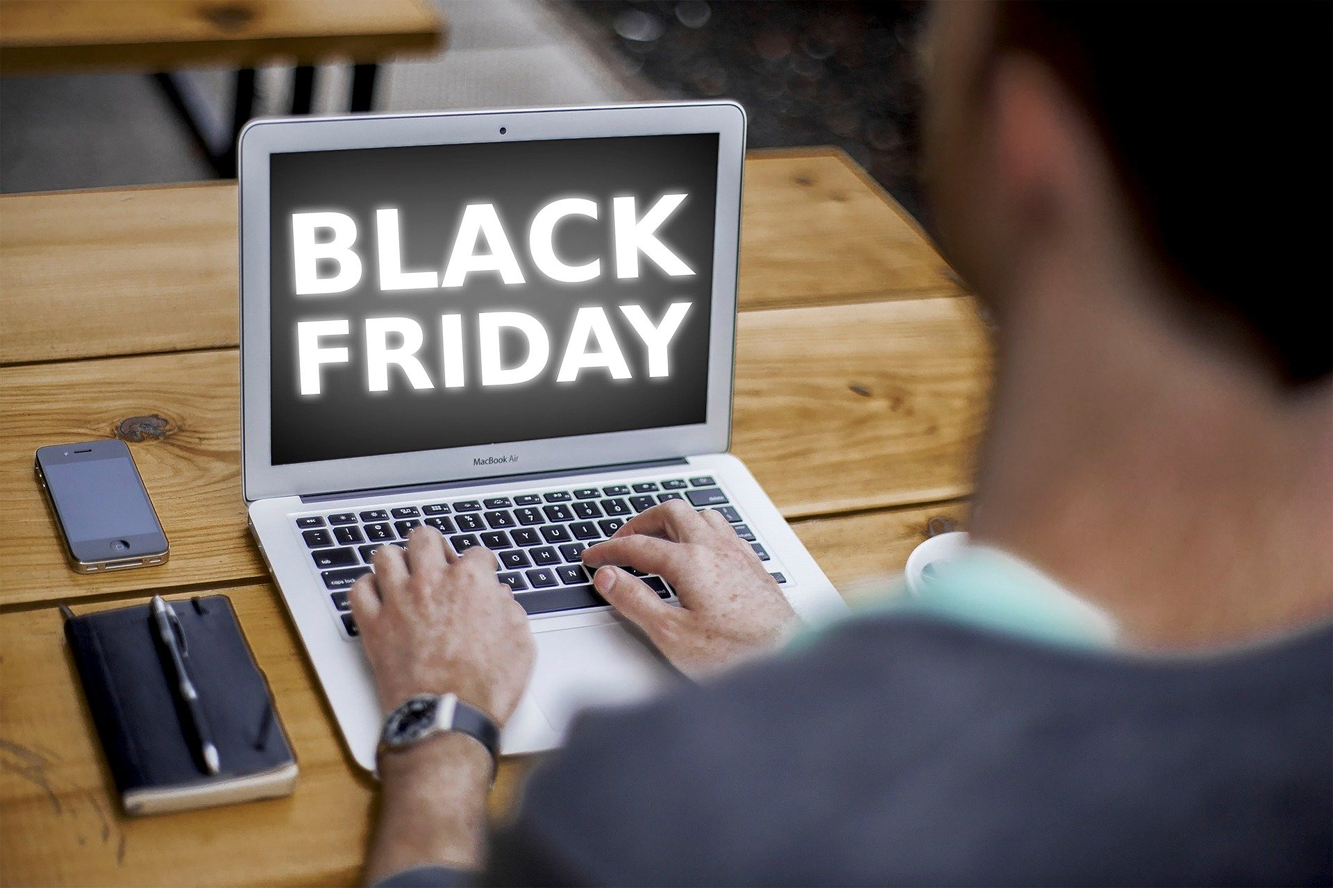 Black Friday and Cyber Monday travel deals pc