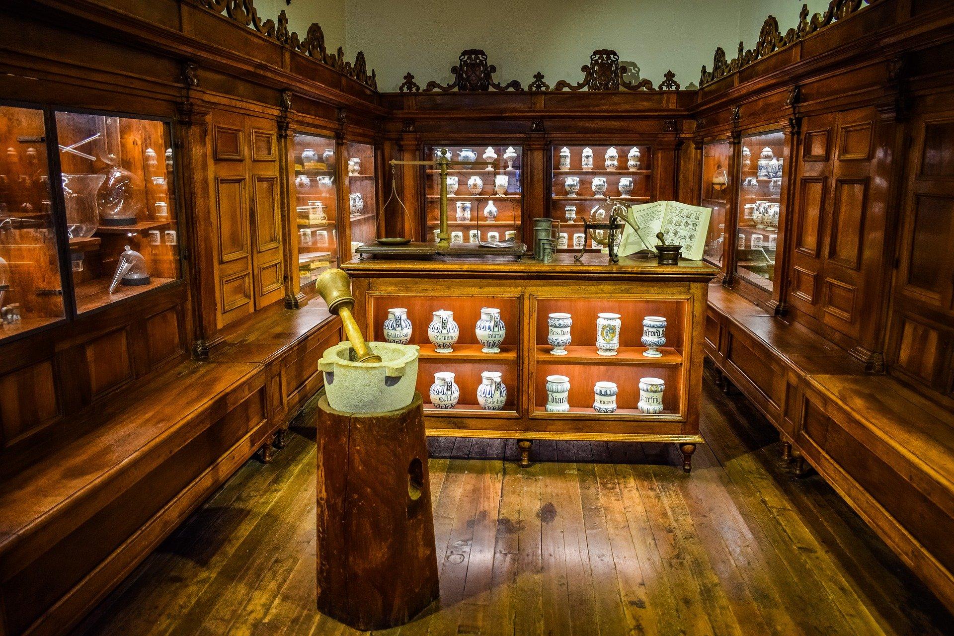 medicinali da portare in valigia farmacia medicine - Medicinali da portare in viaggio: la lista completa