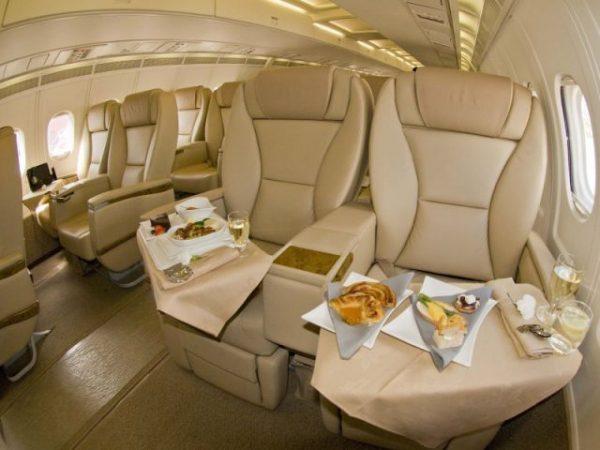 get upgraded to first class - ottenere un upgrade alla prima classe