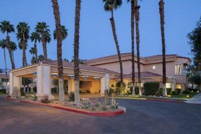 desert oasis hotel palm springs, palm springs things to do, palm springs california, palm springs hotels,