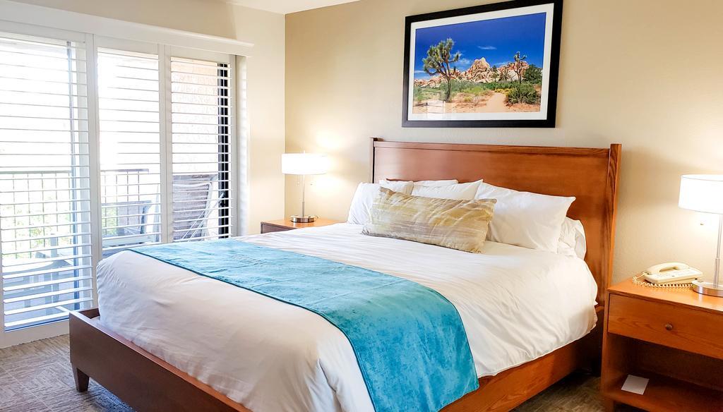 desert oasis hotel room