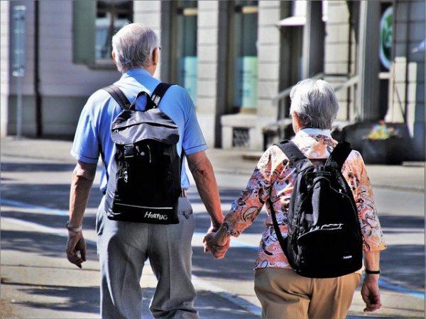 popular summer vacation destinations for seniors